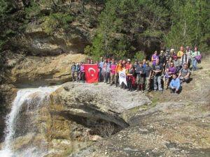 Afdos Üyeleri Suuçtuğu Şelalesi'ni Gezdi