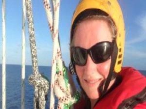 Yarış Sırasında Hayatını Kaybeden Amatör Denizci Okyanusa Defnedildi