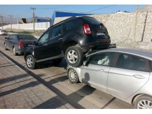 Cip, Çarpıştığı Otomobilin Üzerine Çıktı