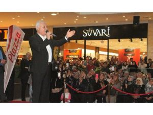 Prof. Dr. Nihat Hatipoğlu'na Sevgi Seli