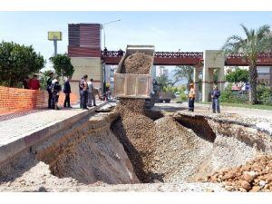 Patlayan Kanalizasyon Asat'ı Alarma Geçirdi