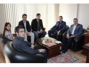 Akil Gençler Heyeti'nden Türkiye Gazetesine Ziyaret