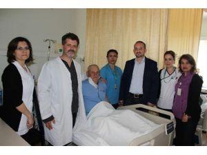 Çanakkale'de Karotis Endarterektomi Operasyonu Uygulandı