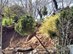 Gülhane Parkı'nda duvar çöktü