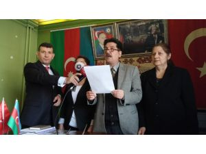 Türkiye'deki Azeriler, Sarkisyan'ın Lahey'de yargılanmasını istedi