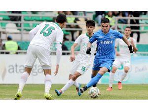 Azerbaycan Premier Lig'de Karabağ şampiyonluğa adım adım ilerliyor