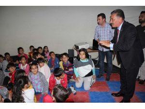 Toroslar'da Çocuklar İçin Planetaryum Uzay Küresi Çadırı Kuruldu