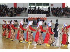 Muş'ta 1. Geleneksel Halk Oyunları Festivali