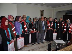 Kızılay'dan Kız Öğrencilere Yardım