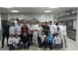 MYO Aşçılık Bölümünde Uygulamalı Eğitim Veriliyor