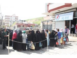 Dicle Elektrik'ten 2 Bin Aileye Sıcak Yemek