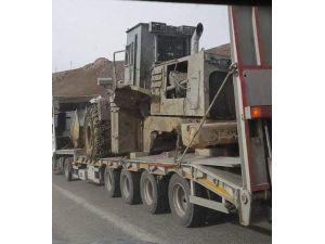 Hasar Gören Zırhlı İş Makinesi Van'a Gönderildi