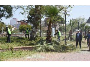 İncirliova Belediyesi, Çamlıca Bulvarı'nı Temizledi