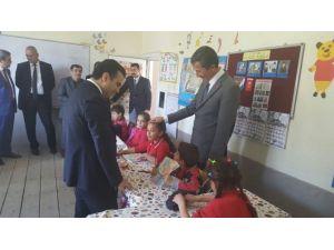 Kaymakam Ve Başkan Okulları Ziyaret Etti