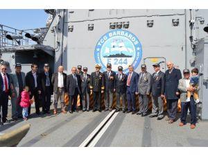 Savaş Gemileri Gazi Ve Şehit Yakınlarını Ağırladı