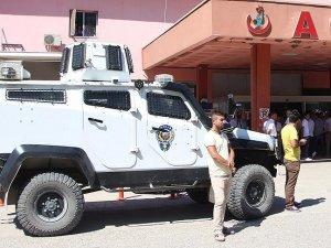 Silopi'de polis aracına terör saldırısı: 1 şehit 4 yaralı
