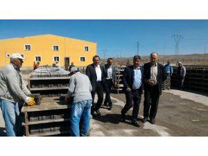 Sarıoğlan parke tesisi ve kum ocağı bölgeye 'örnek-model' oldu