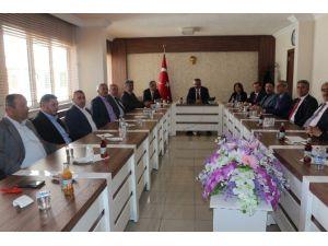 Niğde İl Genel Meclisi Yeni Başkanı Vali Kılıç'ı Ziyaret Etti