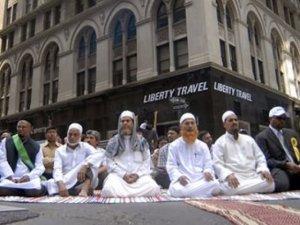 """Amerikalı Müslümanlar """"örnek vatandaş"""""""