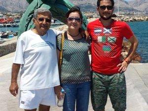 Annesini Öldürdü, Çırılçıplak Denize Koştu! 200 Metre Açıkta Yakalandı