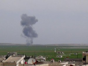 Suriyeli muhalifler Halep'te savaş uçağı düşürdü