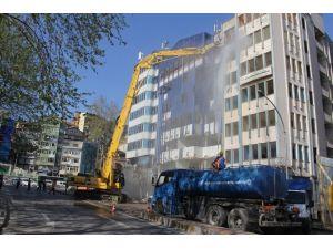 Türk Telekom Binasının Yıkımına Başlandı