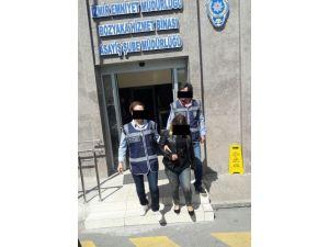 Sahte Polisleri Gerçek Polis Yakaladı
