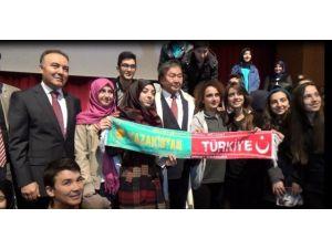 Atatürk Üniversitesi'nden Kazak Şair Olcas Süleymanov'a Fahri Doktora