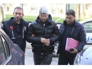 Ruhsatsız Silahla Yakalanan Genç Tutuklandı