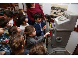 Minik Öğrenciler Bodrum Deniz Müzesi'ni Gezdi