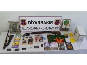 Diyarbakır'da Eş Zamanlı Terör Operasyonu