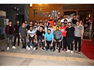 Karşıyakalı Futbolcular Göztepe Maçı Öncesi Stres Attı