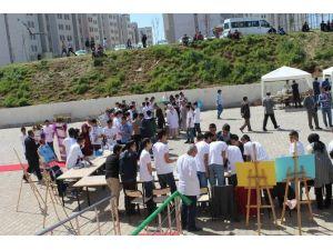Mardin'de Bilim Fuarı Açıldı