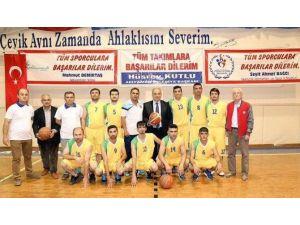 İşitme Engelliler Basketbol Takımı Şampiyonluğa Koşuyor