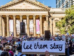 Avustralya'ya 'sığınmacı alımında yavaş davranma' eleştirisi