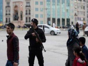 Taksim'de Silah Sesleri Panik Yarattı