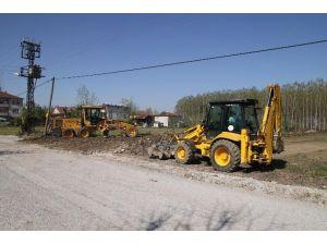Akyazı Belediyesi Fen İşleri Çalışamaları Devam Ediyor
