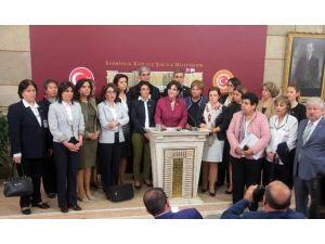 Kılıçdaroğlu'nun Kadın Bakana Sözlerine CHP'li Kadınlardan Destek