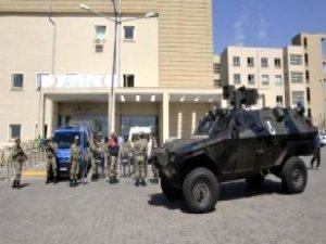 Siverek'te 'Tezek' Kavgası Hastaneye Taştı: 12 Yaralı
