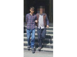 Okul Yakınında Uyuşturucu Satarken Yakalandı