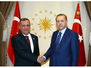 Cumhurbaşkanı Erdoğan, Uyuşmazlık Mahkemesi Başkanı'nı Kabul Etti