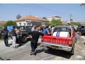 KKTC'de hayvancılar süt dökerek eylem yaptı