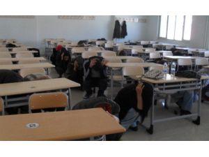 Üniversite Öğrencileri İle Kurtarma Ekipleri Tatbikat Yaptı