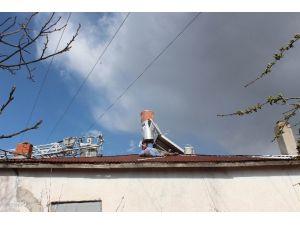 Çatıda Boya Yaparken Elektrik Akımına Kapılıp Öldü