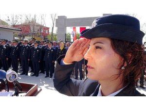 Aksaray'da Şehit Polislerin Mezarına Karanfil Bırakıldı