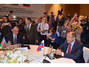 Azerbaycan-Rusya-İran dışişleri bakanlarının üçlü toplantısı başladı