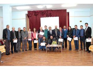 Dinar Halk Eğitimi Merkezi Müdürlüğünün Açtığı İngilizce Kursu Sona Erdi