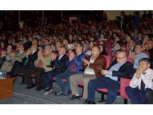 Ünlü Kazak Müzik Grubu 'Erturan' Konserinde Coşku