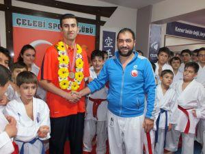 İşitme engelli Kardeşler, şampiyonluğu Erzurum'u sevindirdi