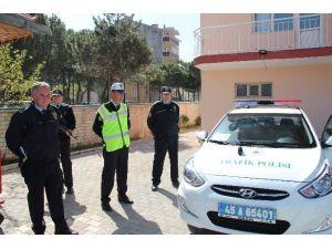Demirci Polisi Yaka Kamerasıyla Görev Yapıyor